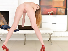 Handsome Milena Devi takes off bare to rubdown her prettily trimmed cootchie to orgasmic enjoyment